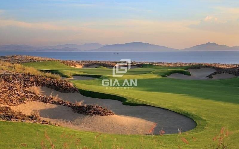 Golf tại khu KN Paradise