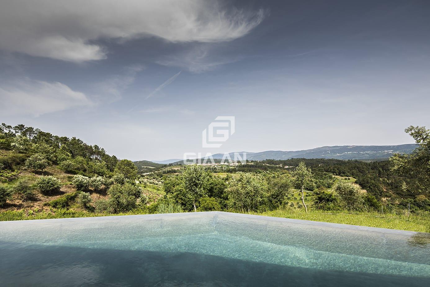 Không gian nghỉ dưỡng thoáng đẹp trên sườn đồi ở Bồ Đào Nha - 28